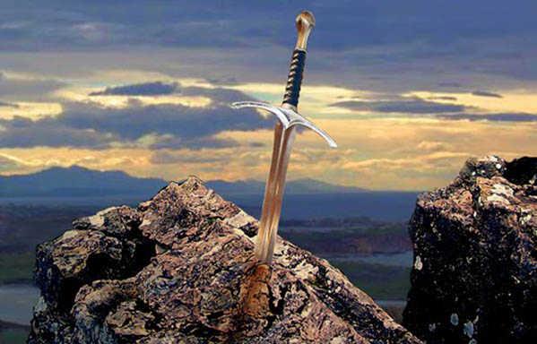 Excalibur é o nome da espada lendária do Rei Artur. Ela está cravada em uma pedra.