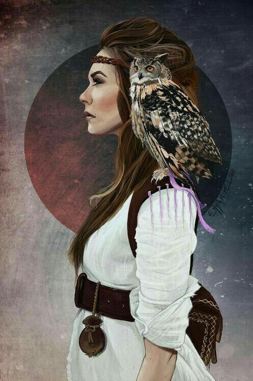 Mulher xamã com a sua coruja no ombro